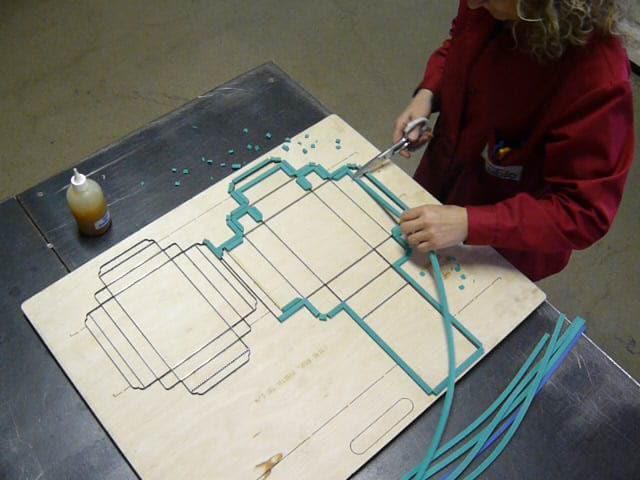 Encunys amb base de fusta
